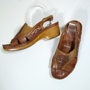 ARIAT brown leather sandals   145